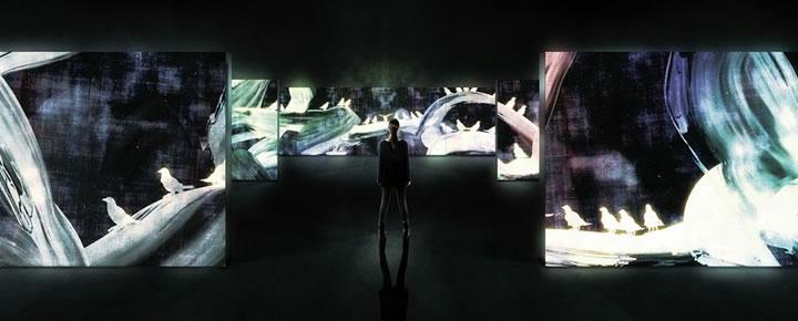 追われるカラス、追うカラスも追われるカラス、そして分割された視点 – Light in Dark(work in progress)