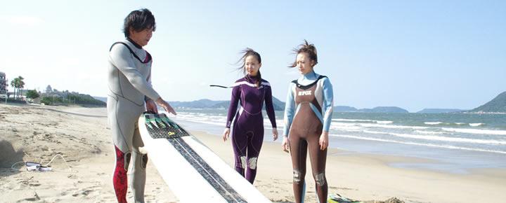 サーフィンの基本を学びます