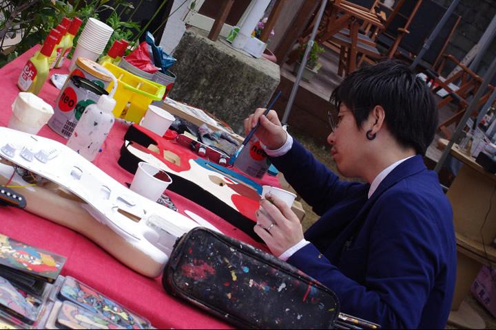 冨永ボンド with DIYギター